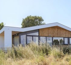 Small Bioclimatic House / ARKKE