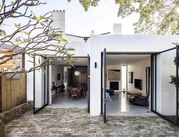 Chimney House / Atelier DAU